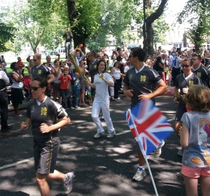 The Flame Relay passes Clapham Common